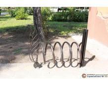 велопарковки в сквере Гимназистов Тюмень
