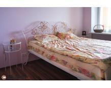 кованая кровать для спальни в классическом стиле