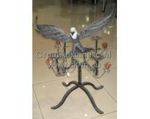 Кованый подсвечник на 4 свечи с орлом и розами