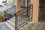 простые и недорогие перила для лестницы
